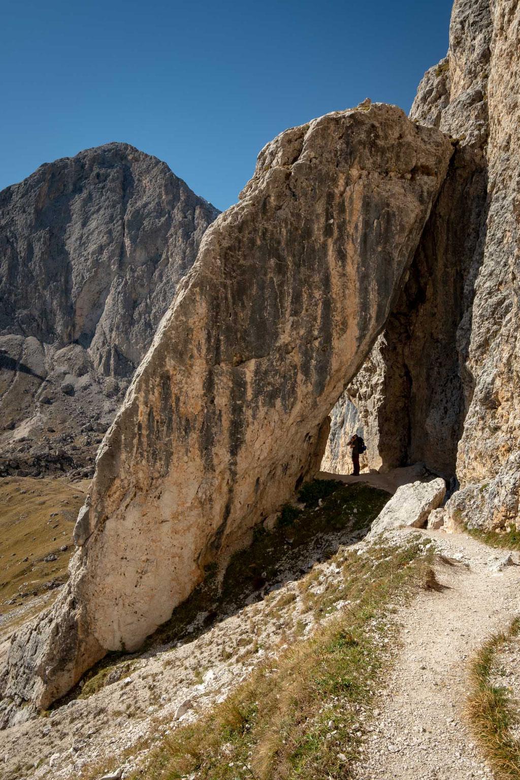 the route between rifugio Roda De Vael and Rifugio Vajolet over Passo delle Cigolade