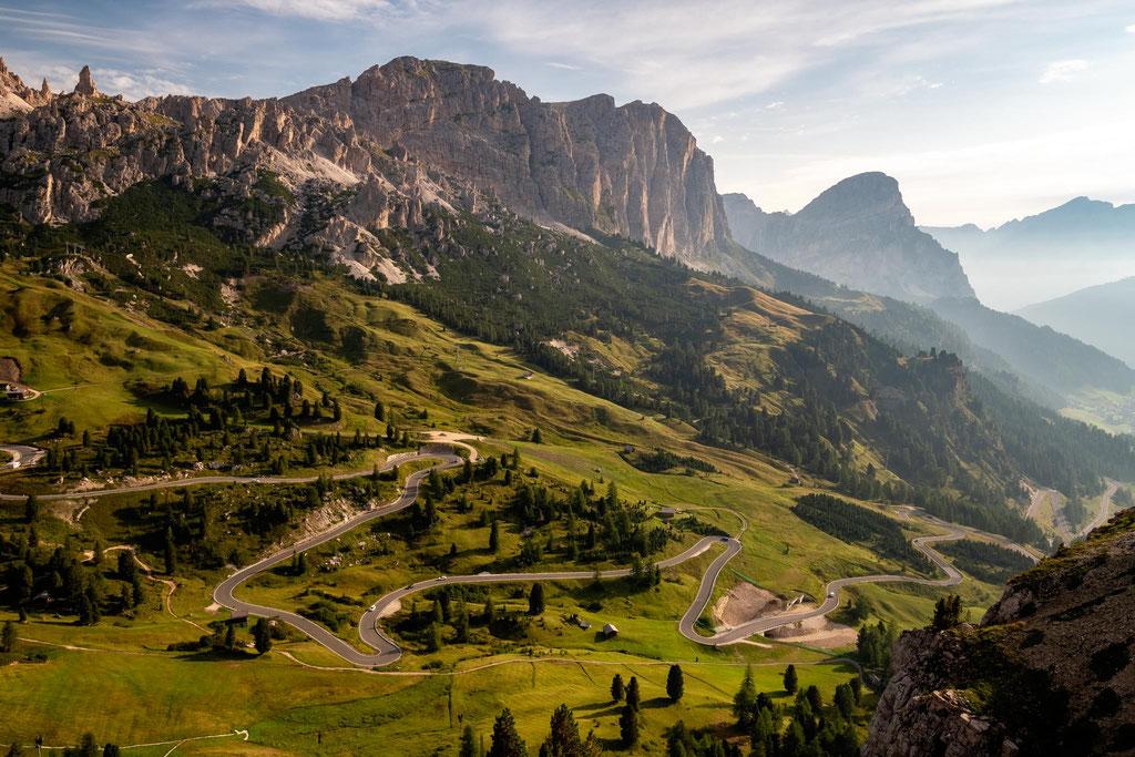 The road leading to Passo Gardena.
