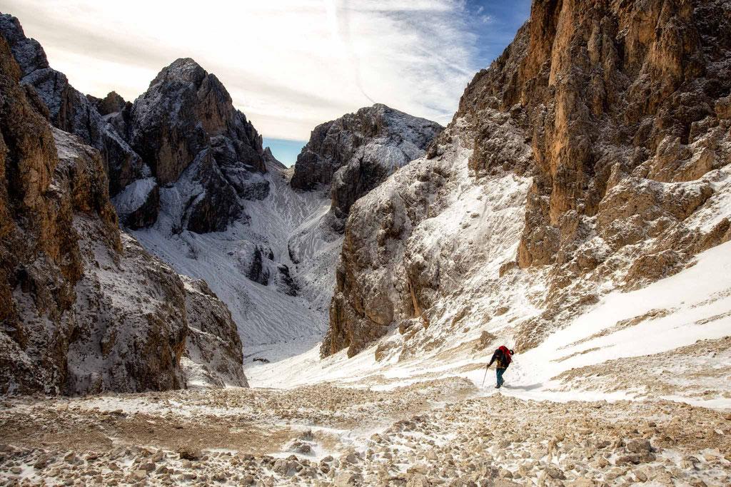 Day 3 of the Rosengarten multiday traverse. Heading towards Passo Molignon and rifugio Alpe Di Tires