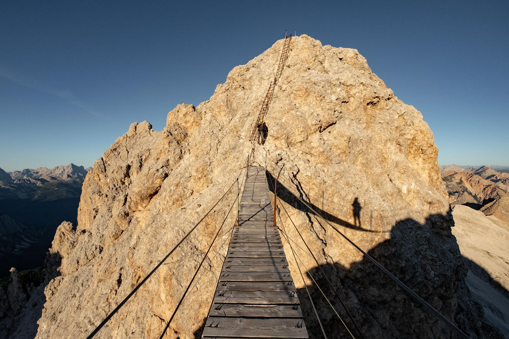 The ladder above the suspension bridge leading to a little summit where you can capture great photos.