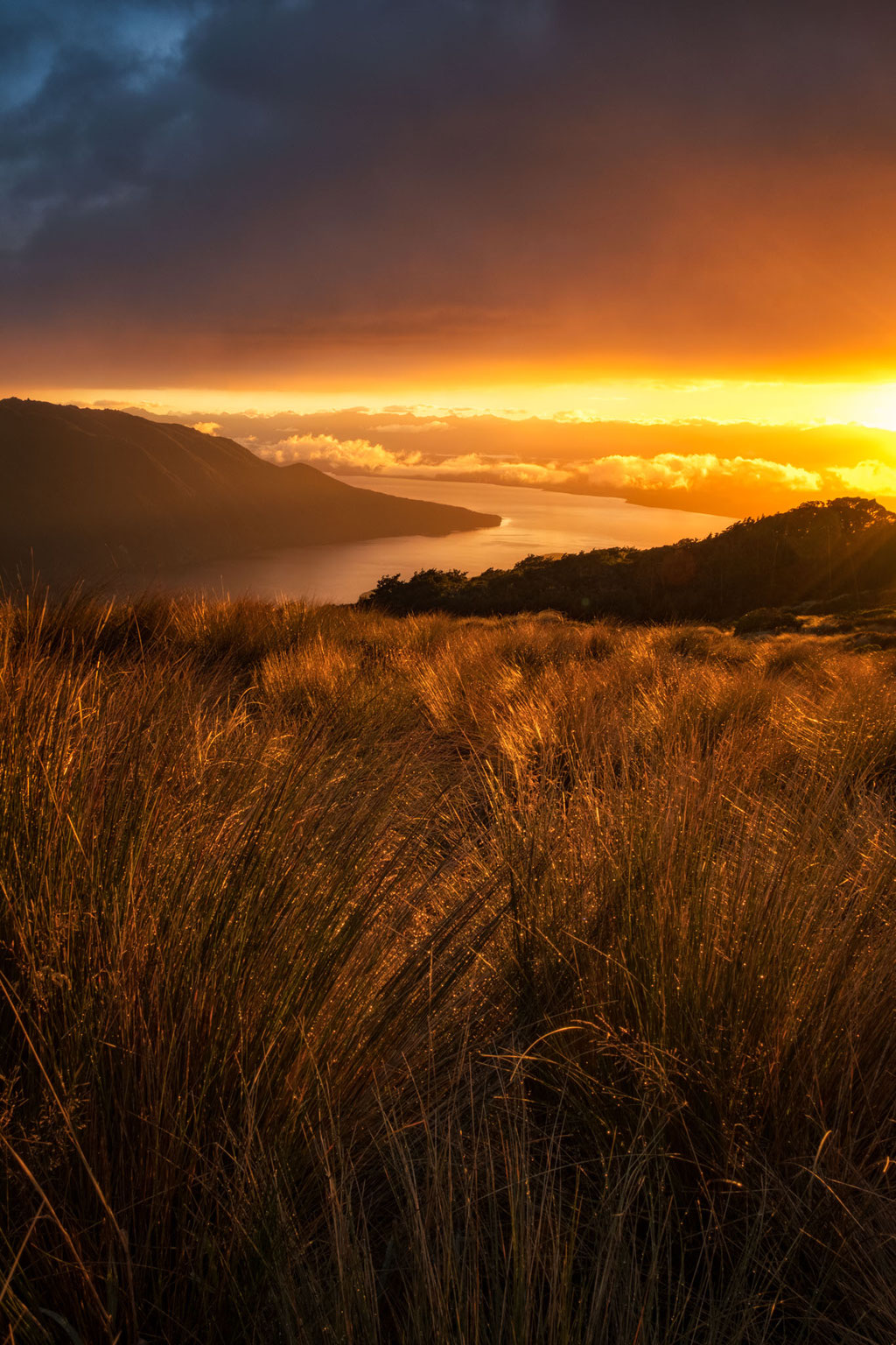 sunrise over Lake Te Anau as seen from the Kepler Track