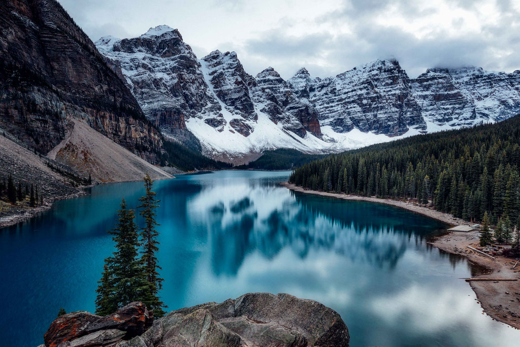 Moraine Lake. Two week road trip itinerary around the Canadian Rockies