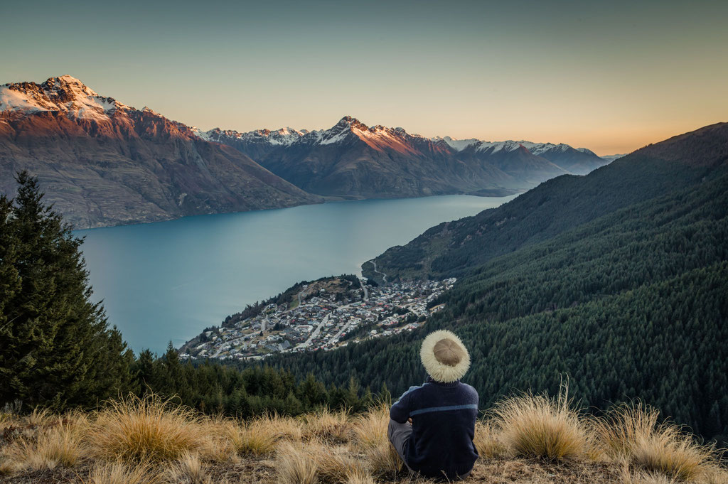 View over Lake Wakatipu and Walter's Peak in Queenstown