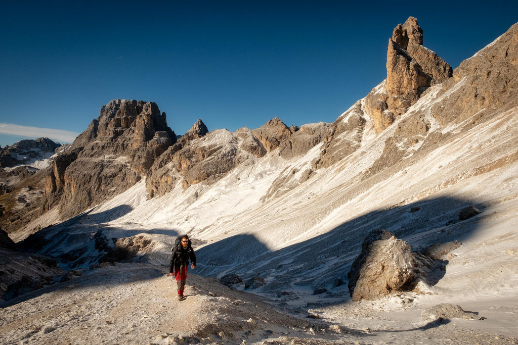 The approach to Passo Principe from Vajolet hut