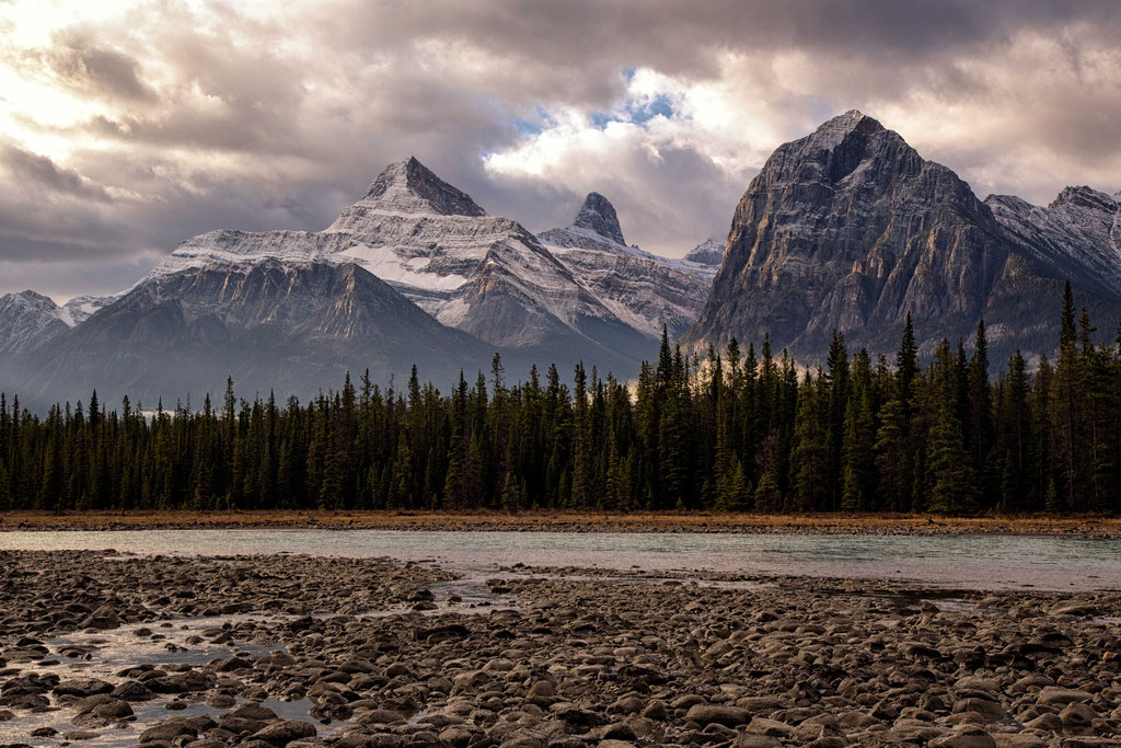 Mountain vistas along the Icefields Parkway in Canada