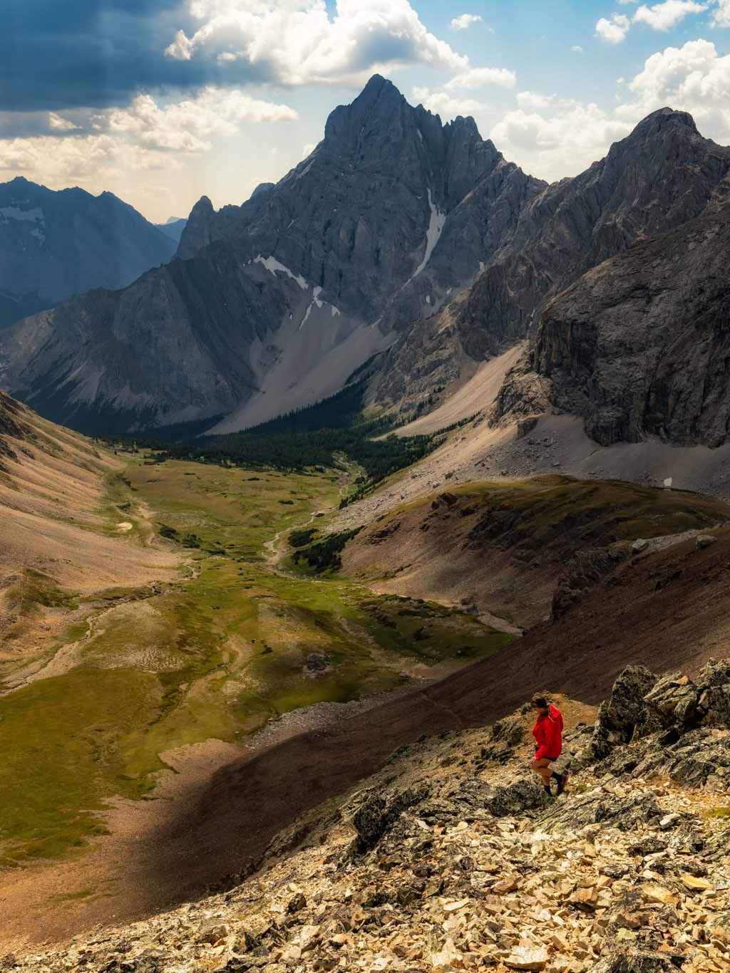 14 Day Hikes with Jaw-Dropping Views in Canmore and Kananaskis