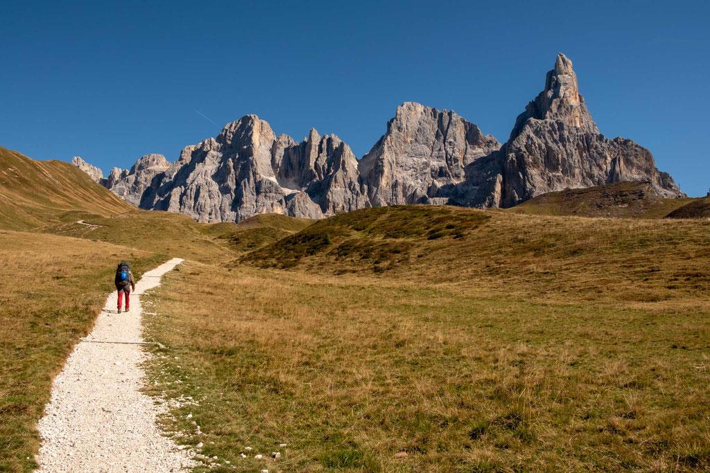 Hiking towards Baita G Segantini. The peak to the right is called Cimon Della Pala
