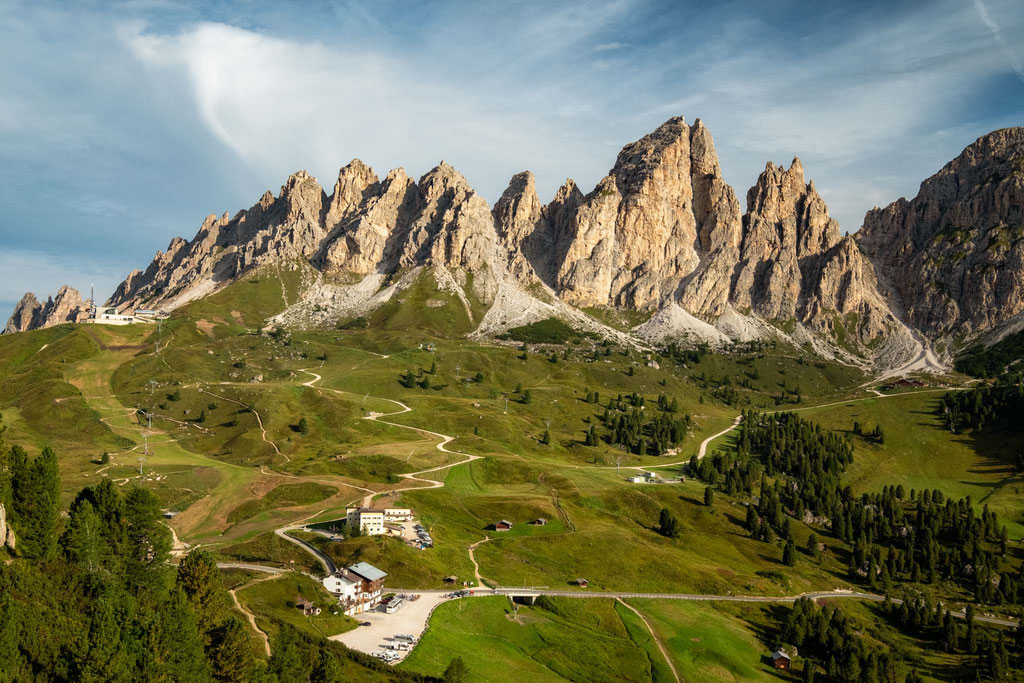 Pizes da Cier and Passo Gardena from the start of the hike