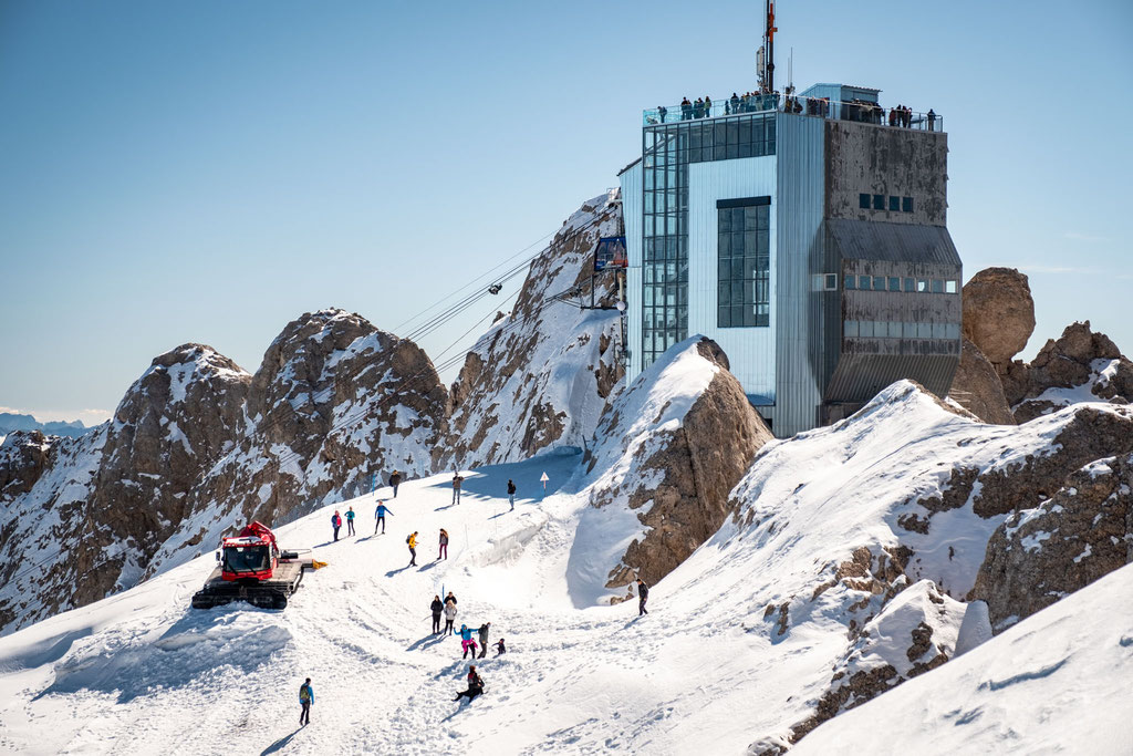 The cable car station at Punta Rocca on Marmolada.
