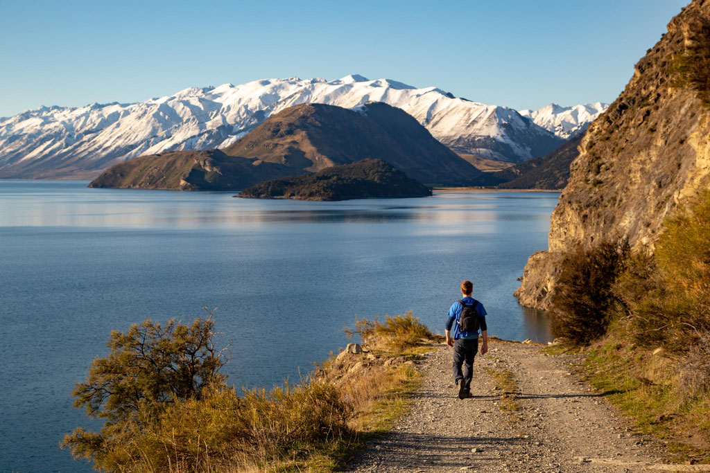 Hiking along Lake Hawea in Wanaka