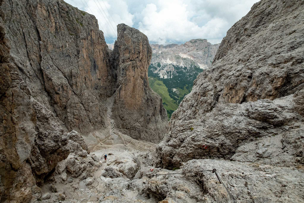 Descending into Val Setus
