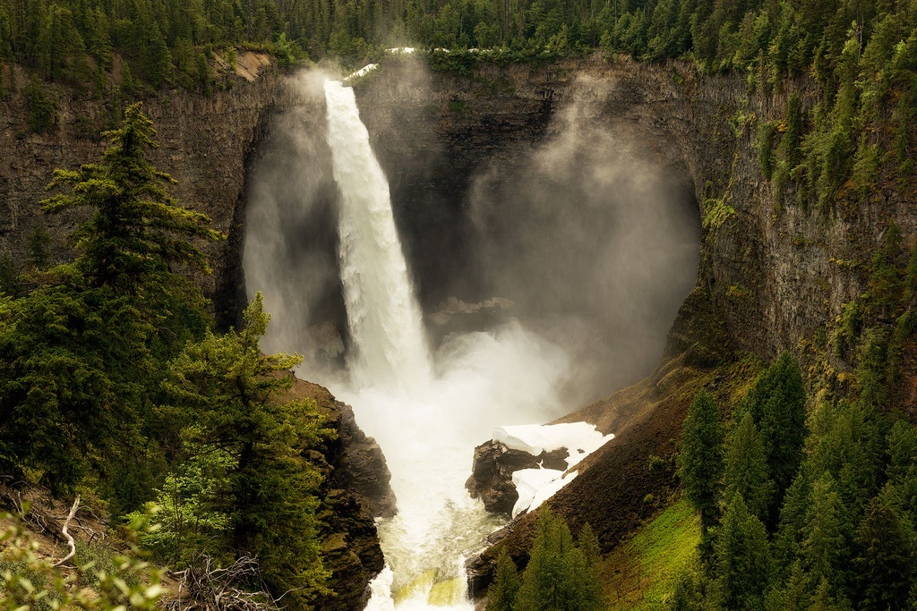 Helmcken Falls. The most famous waterfall in Wells Gray Provincial Park