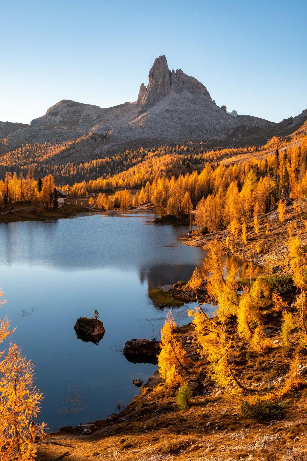 Lago Federa in autumn