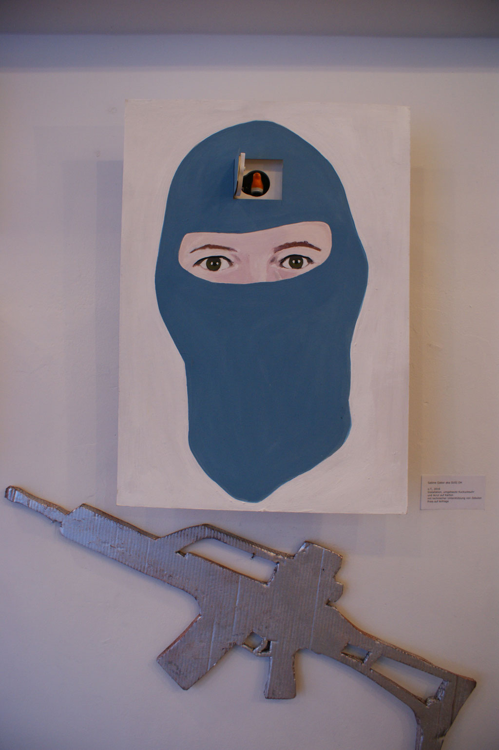 """""""Kopfschuss"""" Installation von Sabine Gabor"""