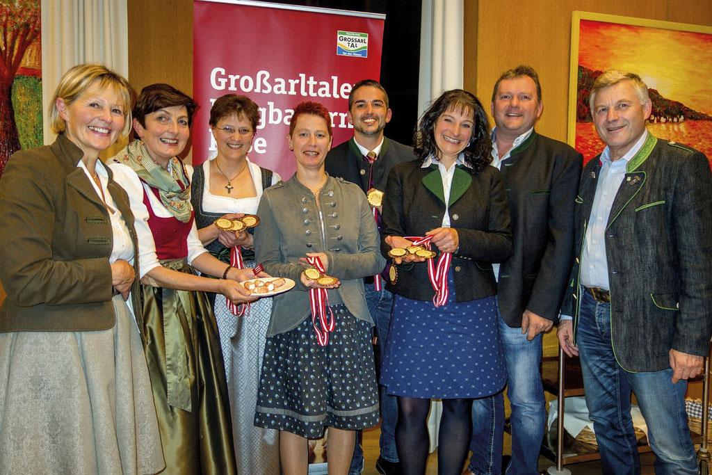 Familie Gruber bei den Auszeichnungen im Hefterhof