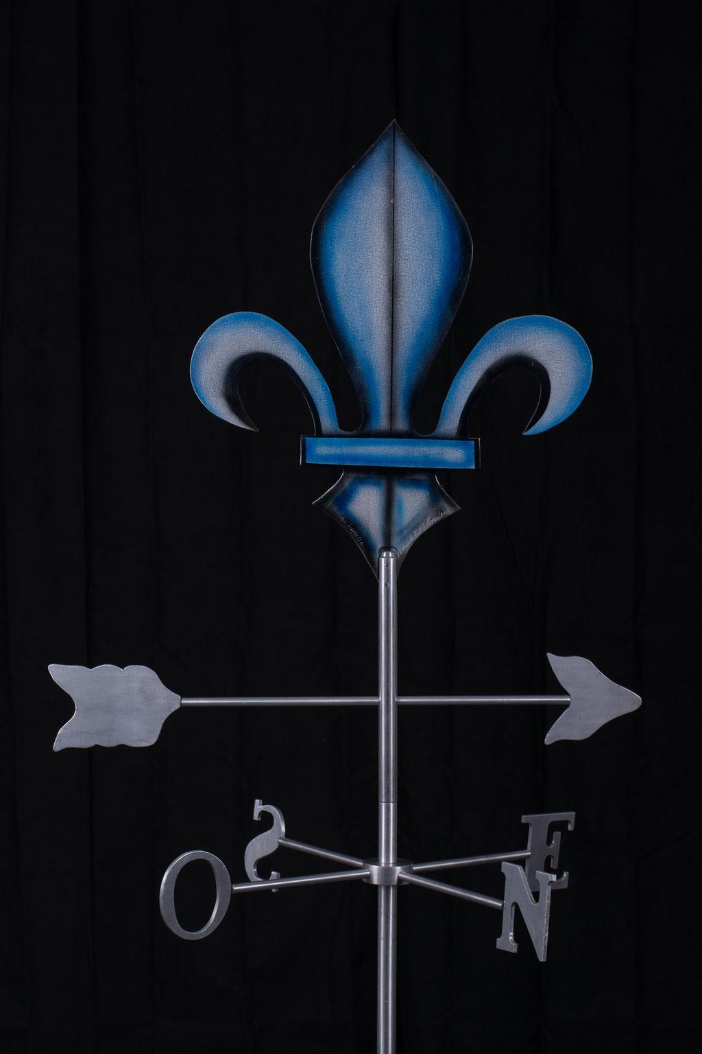 """Girouette Lys, Aluminium acrylique,   33"""" haut x 24"""" x 24"""", 2017.  $350.00"""