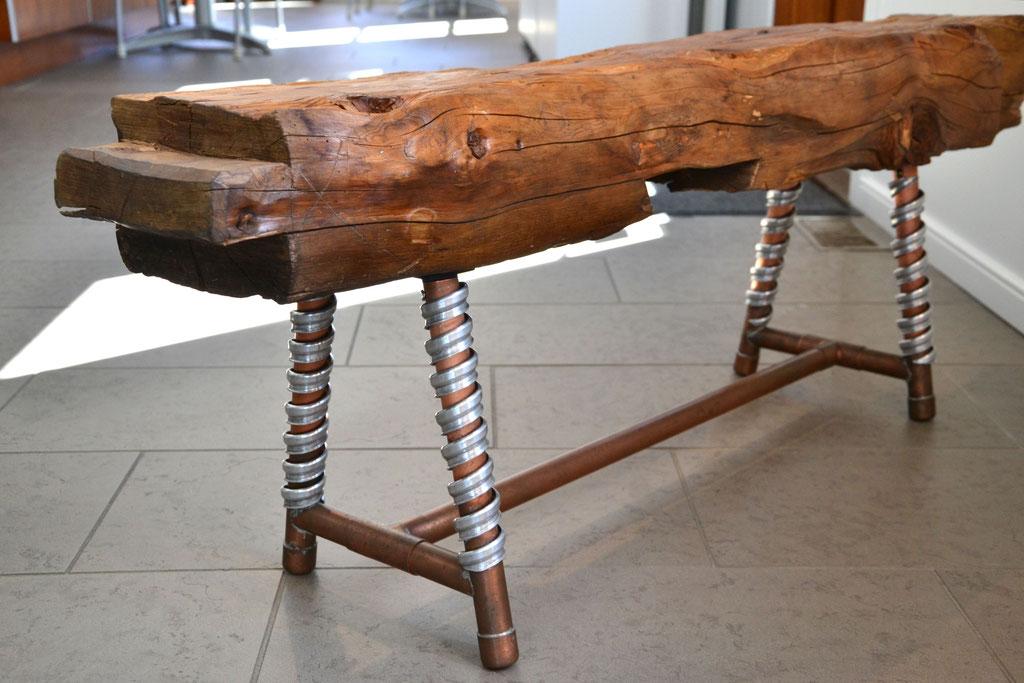 Banc de chez nous, poutre de bois 1897, aluminium, cuivre, 2016. $600.00
