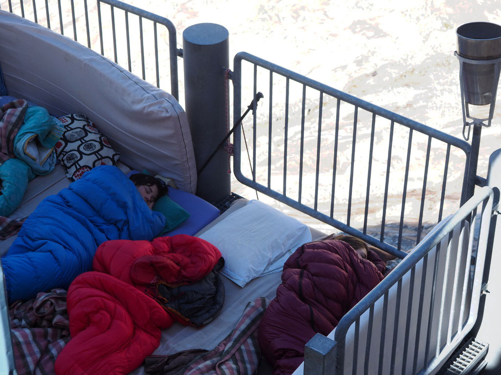 Depuis 9 ans ils ont régulièrement dormi dehors, alors pas d'exception pour cette 1ère nuit de l'été 2017 à 3100m !