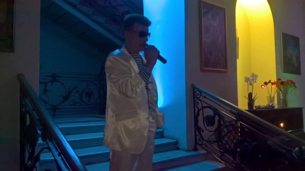 Концерт - Старый чемодан-  Денис Стрельцов в особняке Шрёдера 14 июля