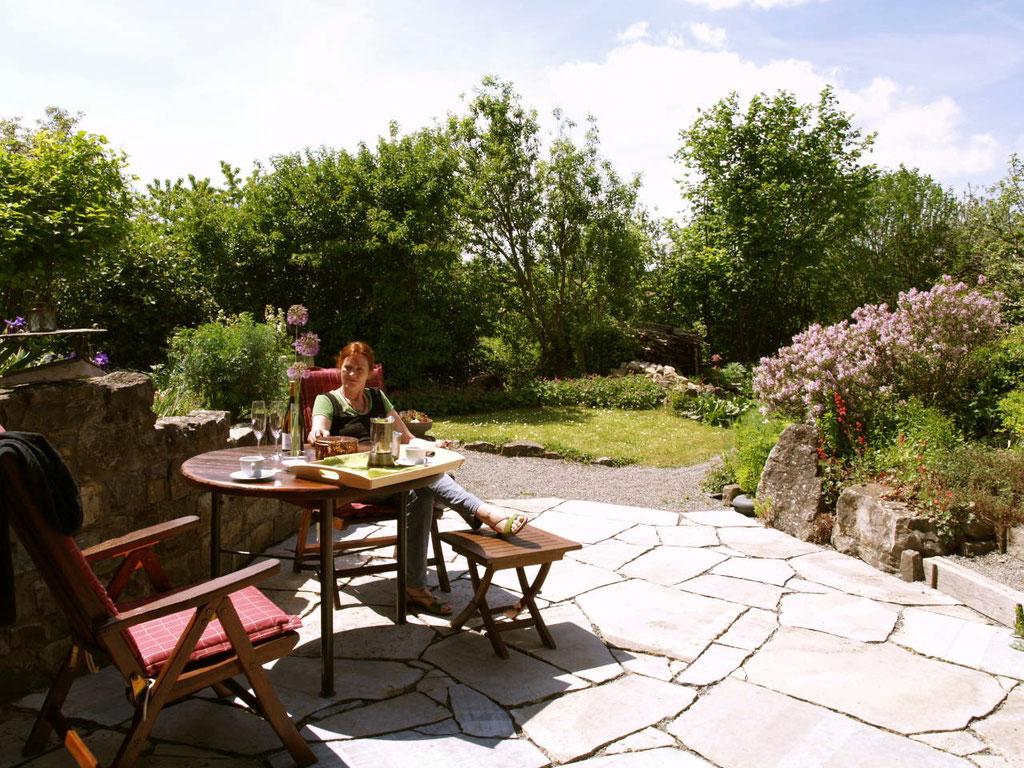 Ferienwohnung mit Garten in außergewöhnlicher Lage nahe Volkach am Main.