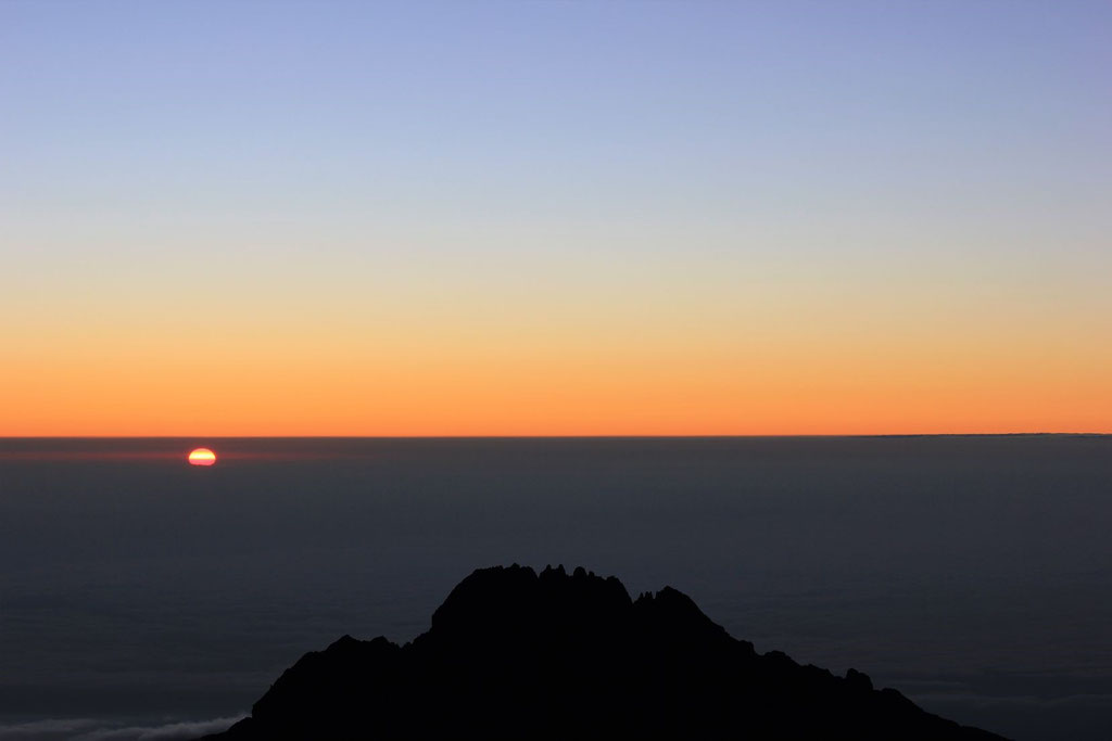 Stella Point Sunrise - Kilimanjaro Company