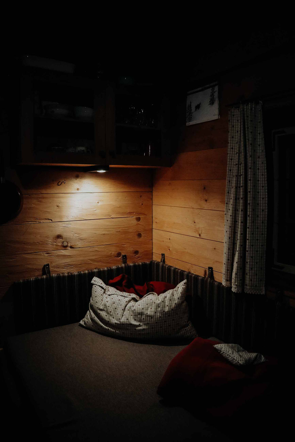 cosy cabin - by florian paulus