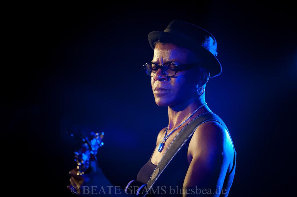 Cécile Doo Kingué - 25.10.2019 Hamburg Blues Nights