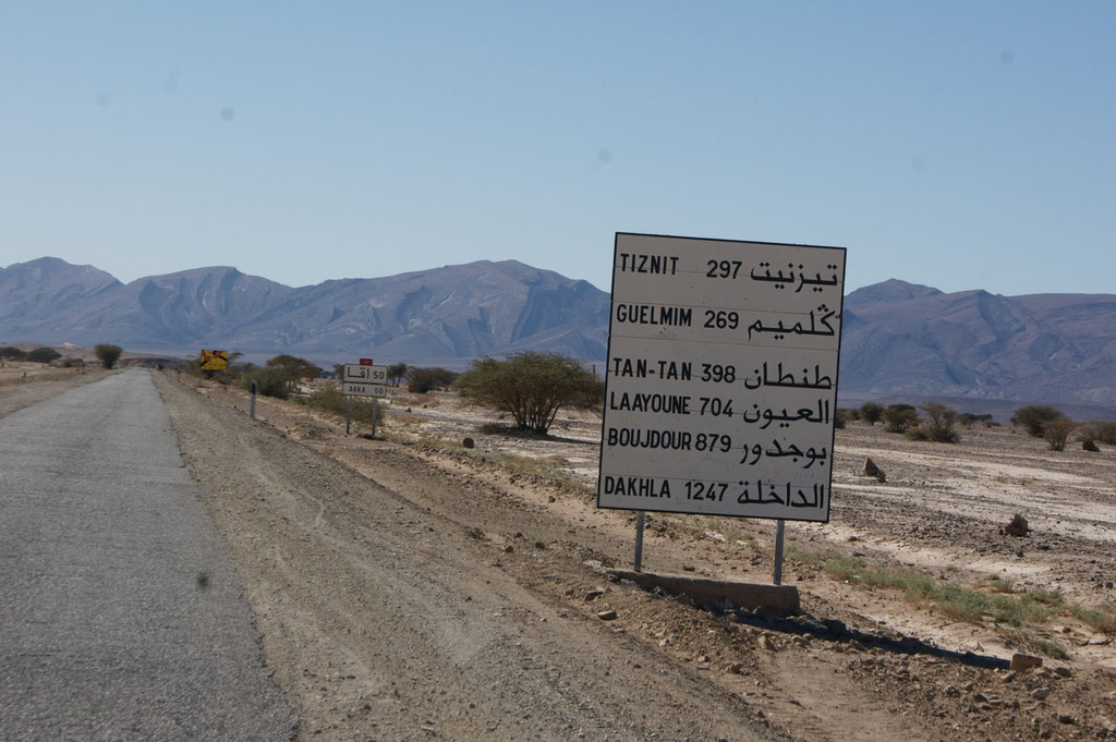 Bis Dakhla 1247 km , mauretanische Grenze