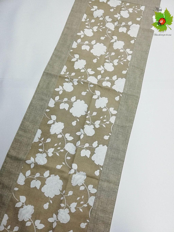 Runner centrotavola con fiori in cotone 45x135 cm. Col. Beige. B451