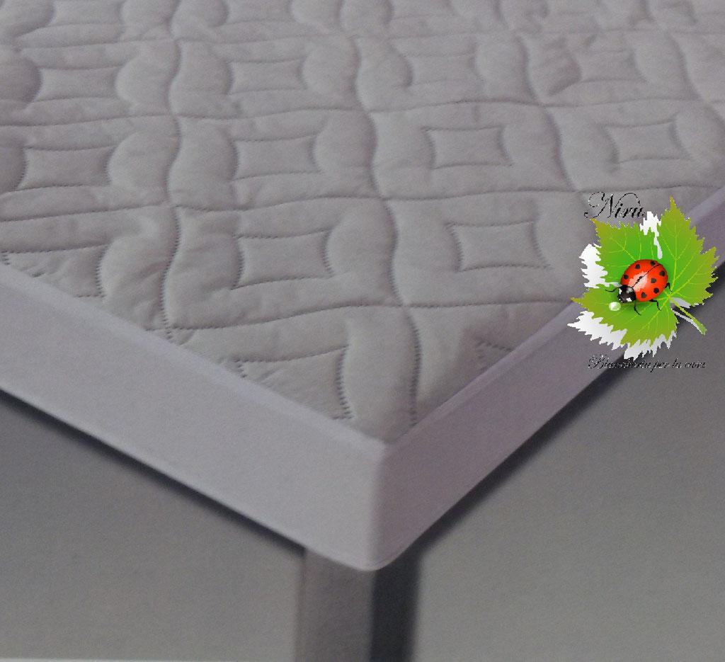 Coprirete una piazza e mezza trapuntato con angoli. Art. Luna. Art.A786