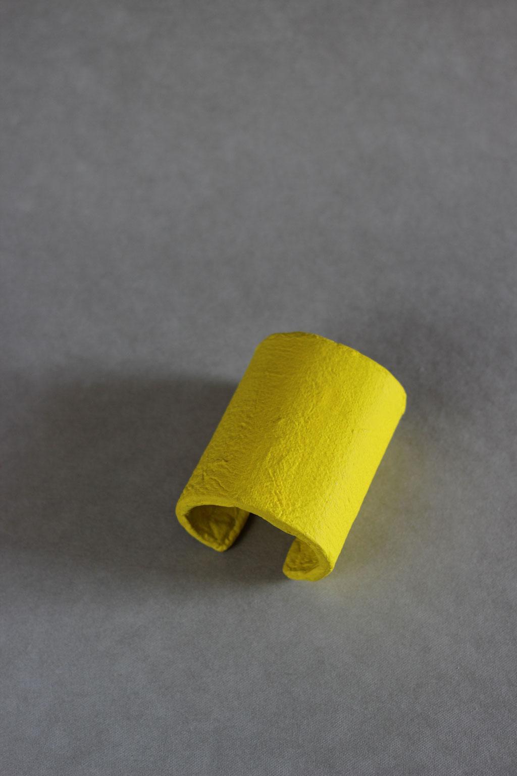 Column cuff yellow