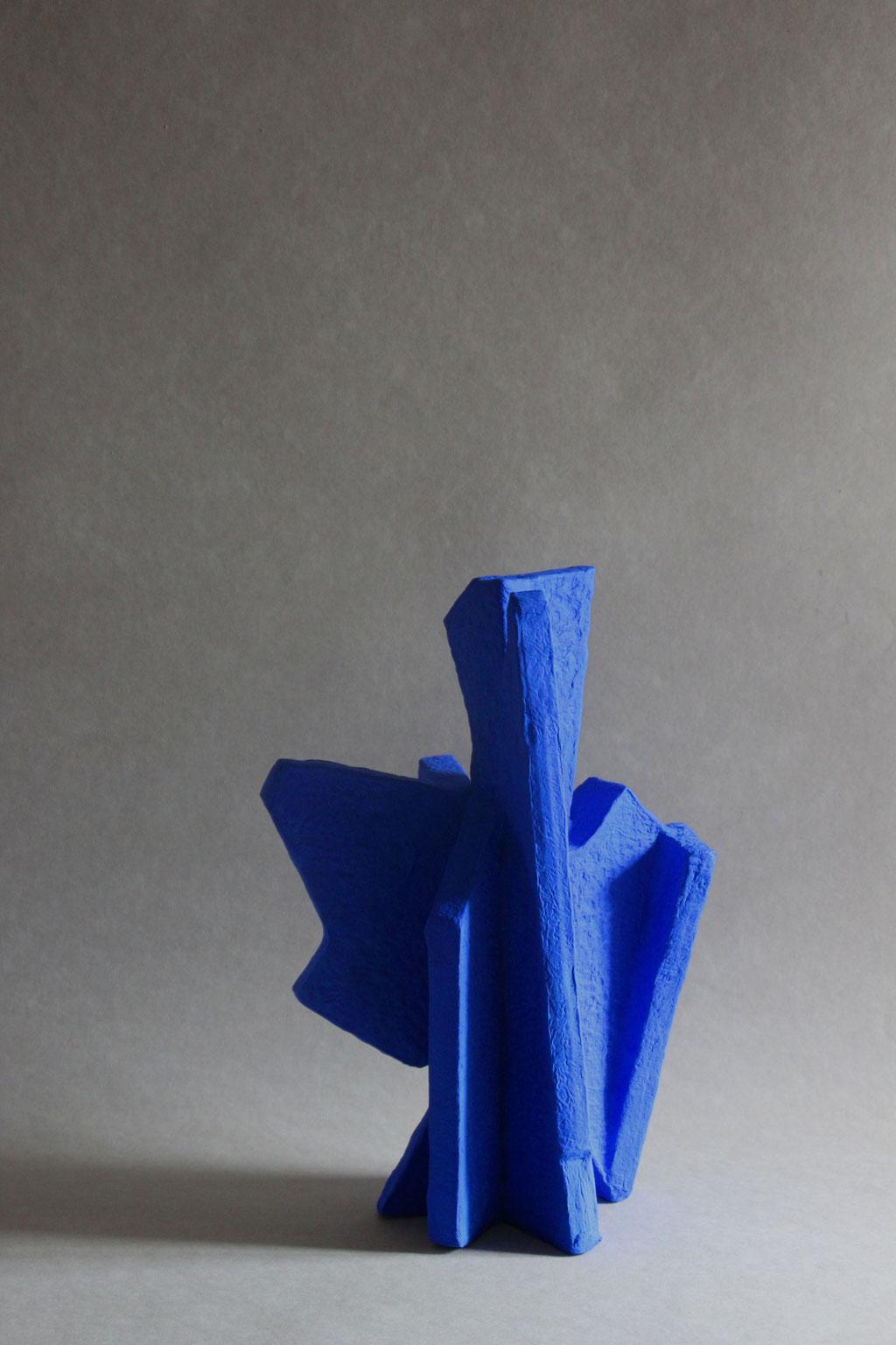 Particle large blue