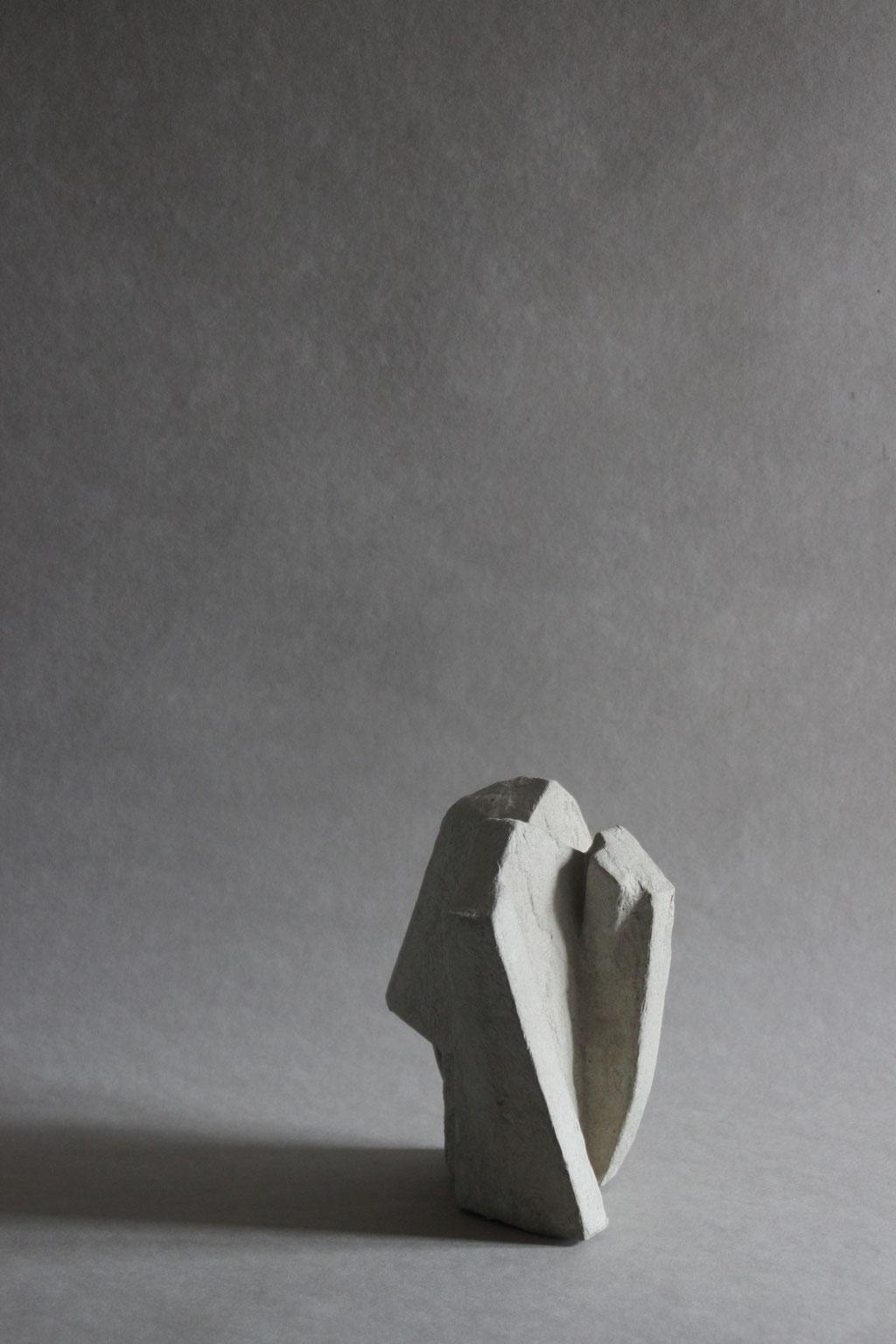 Particle small grey natural