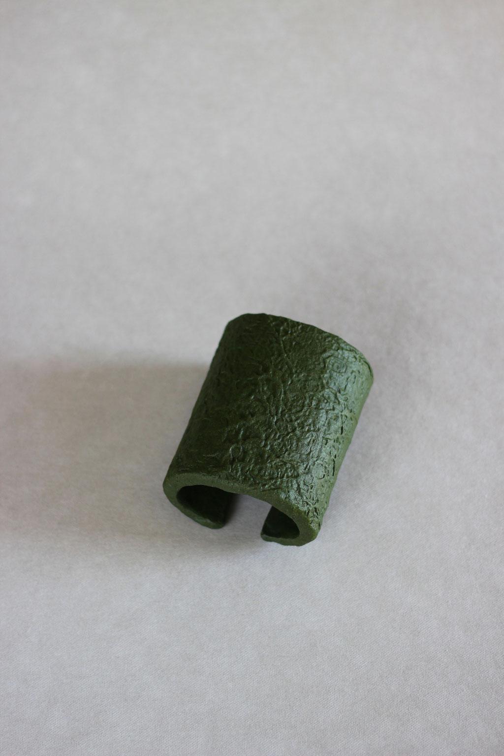 Column cuff army green