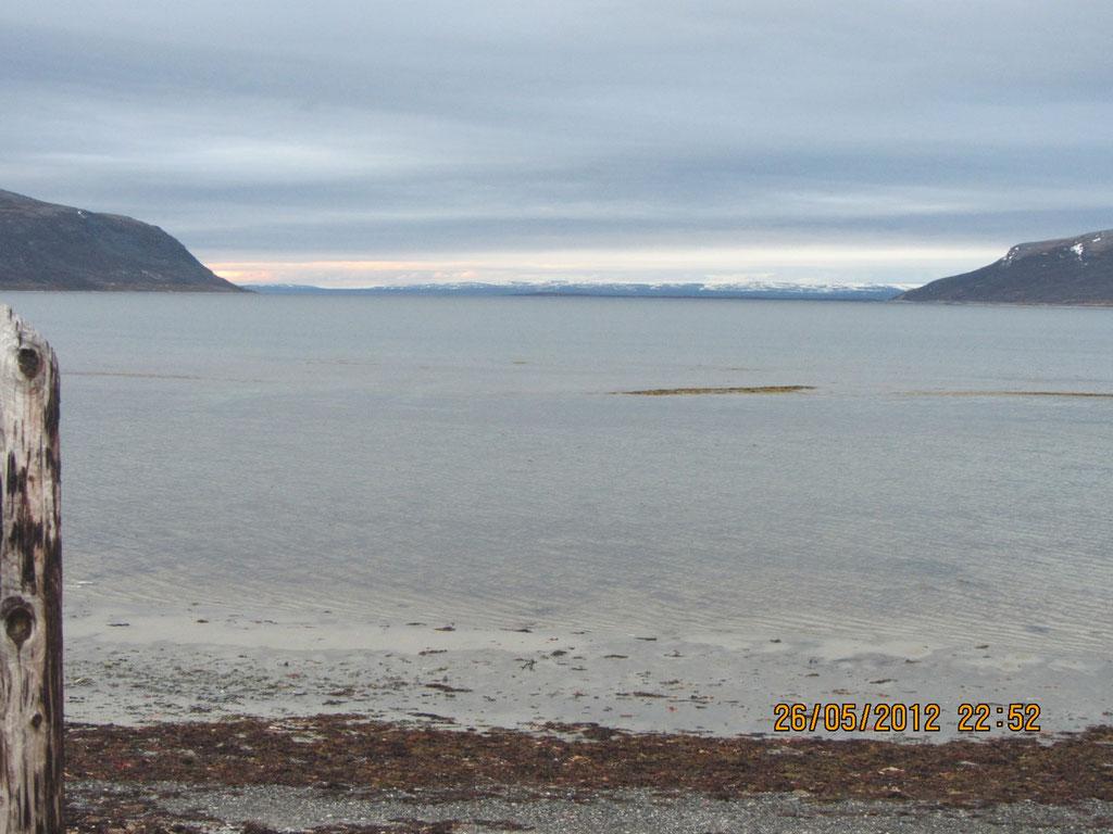 Blick aus dem WoMo auf den Fjord