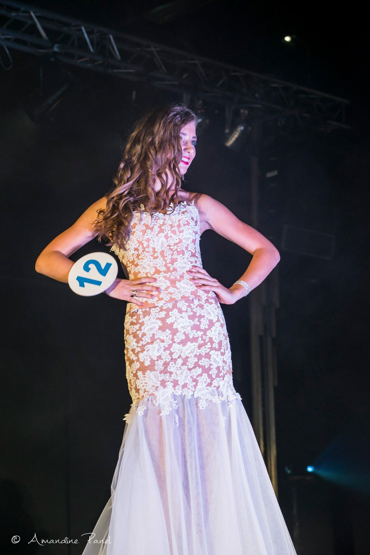 Léa Jenton, Miss Vallée de la Drôme 2017 portant la robe Ervilia de la Collection Mariée 2018 - Election Miss Rhône-Alpes 2017 pour Miss France 2018