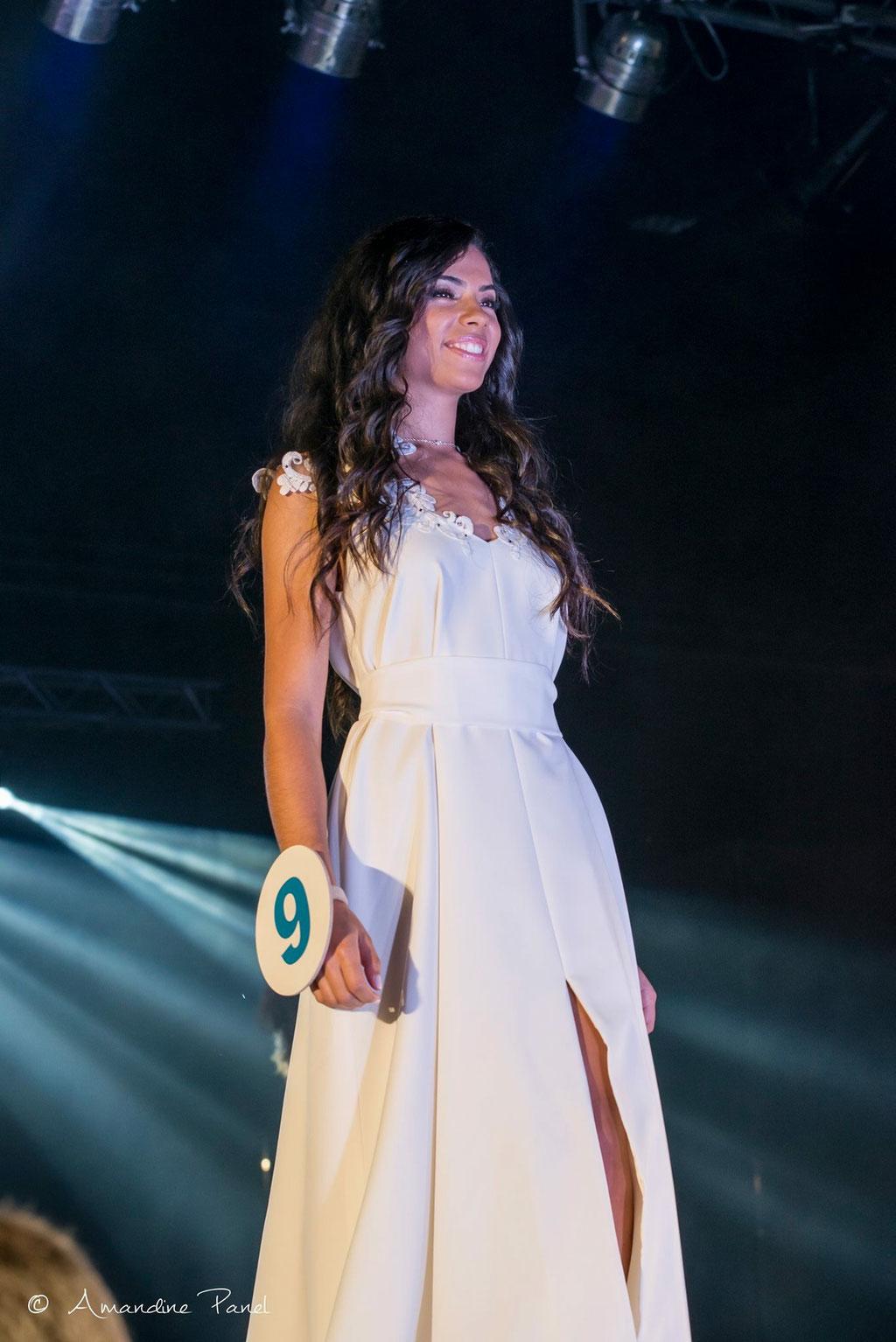 Lucie Dumas, Miss Ardèche et Miss Dauphiné 2017 portant la robe Lune - Election Miss Rhône-Alpes 2017 pour Miss France 2018