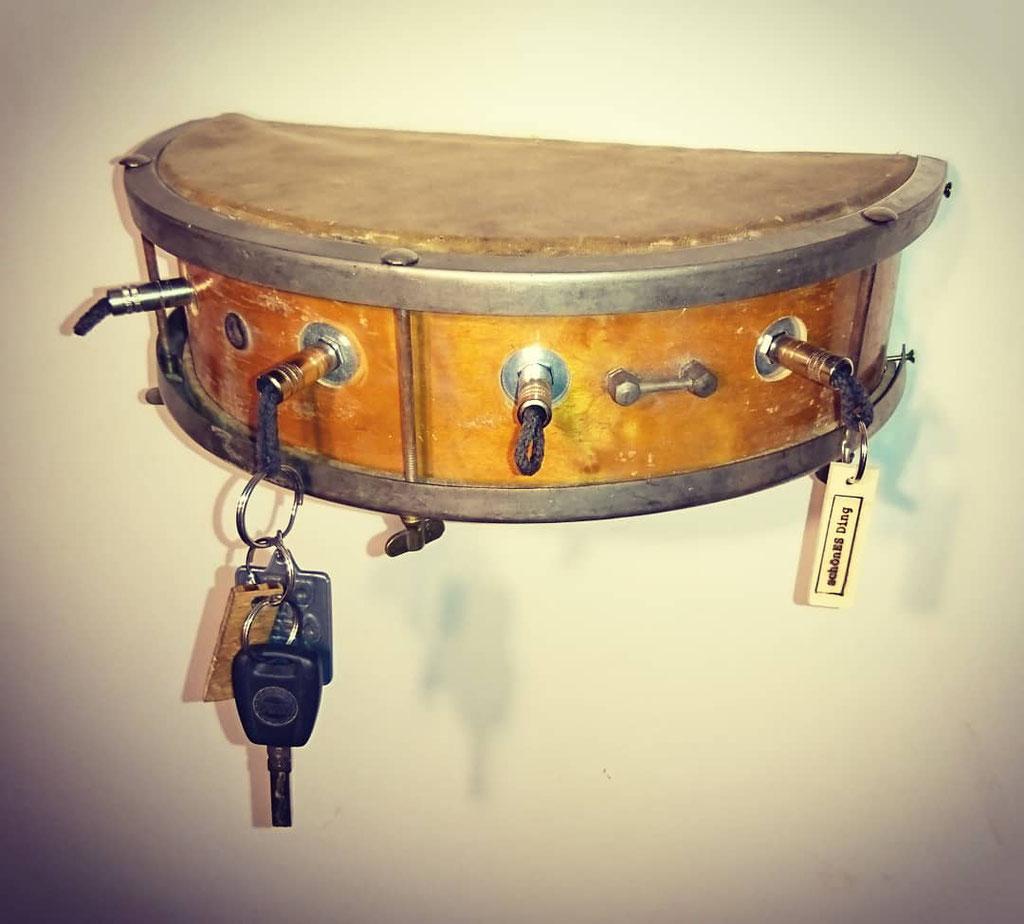 Snare-Board - Schlüsselboard aus einer alten Snare Drum - schönES Ding