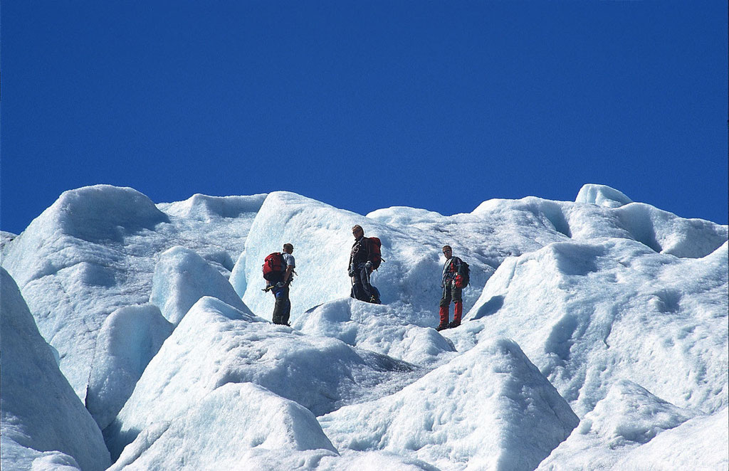 Norwegen: Kletterer auf dem Nigardsbreen