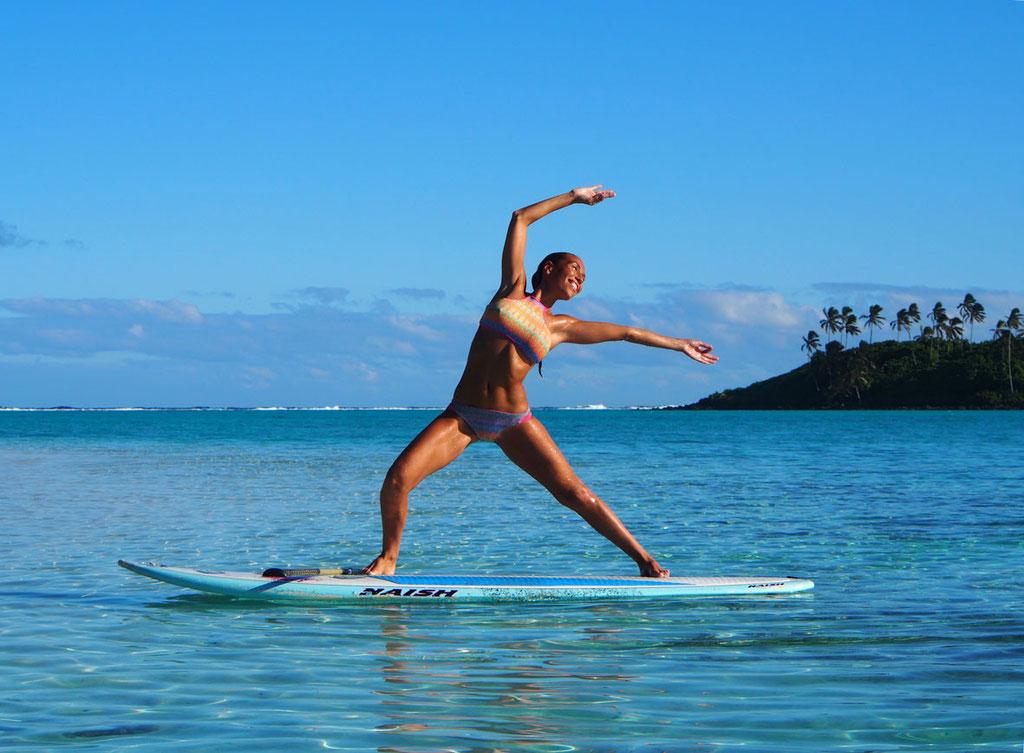 Cook Islands: SUP-Yoga in der Südsee mit seiner Erfinderin Charlotte Piho