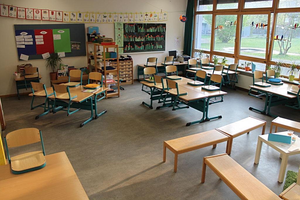 Die meiste Zeit des Schultages verbringen die Kinder in ihren Klassenräumen.
