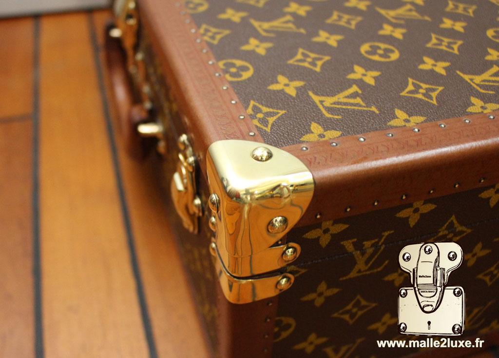 Valise bisten 60 Louis Vuitton 1960 coin en laiton massif 1 clou
