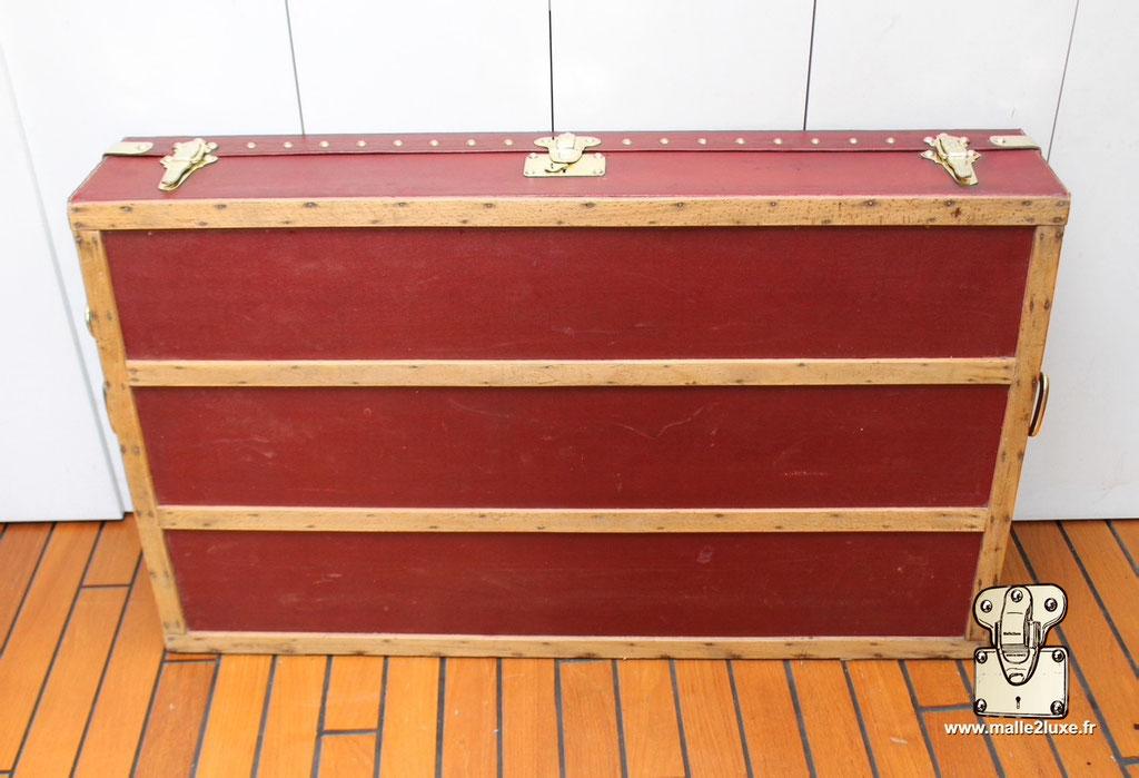 Malle automobile Rouge Louis Vuitton
