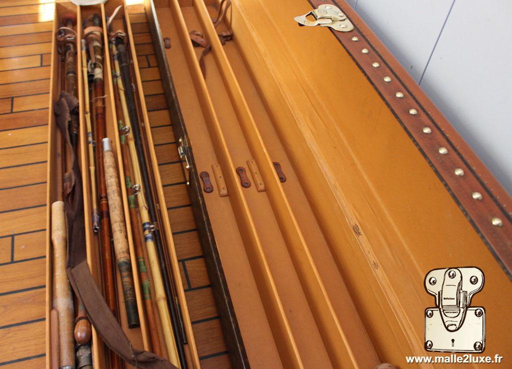 Malle Louis Vuitton canne à pêche casier amovible
