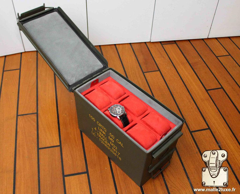 boite montre rolex intérieur rouge superbe