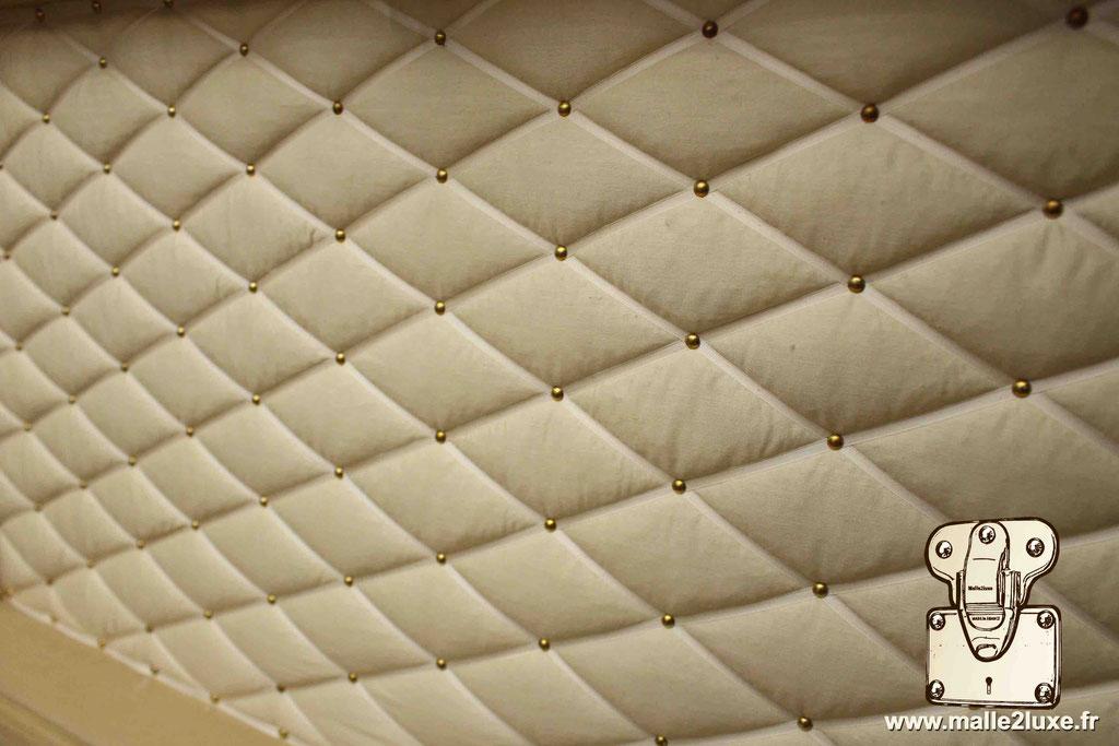 capiton malle ancienne Louis Vuitton