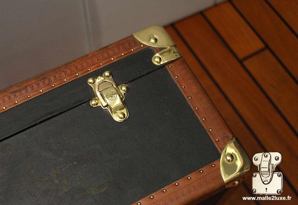 Valise bisten Louis Vuitton 70 coins laiton