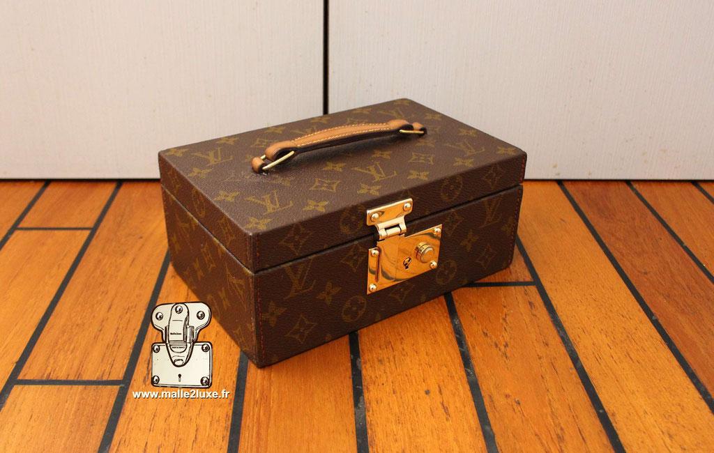M47246 boite pour femme beauté