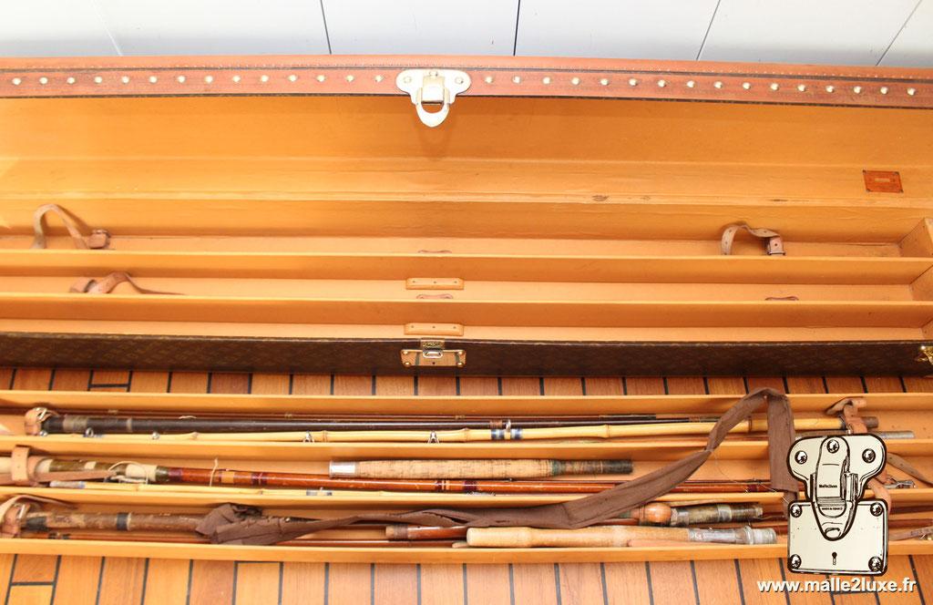 Malle Louis Vuitton canne à pêche intérieur pêche a la ligne superbe