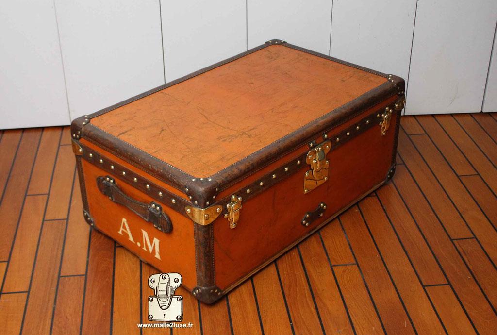 malle cabine Louis Vuitton coté de malle